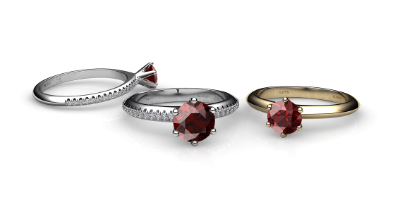 Stella. 6 prongs solitaire almandine garnet ring