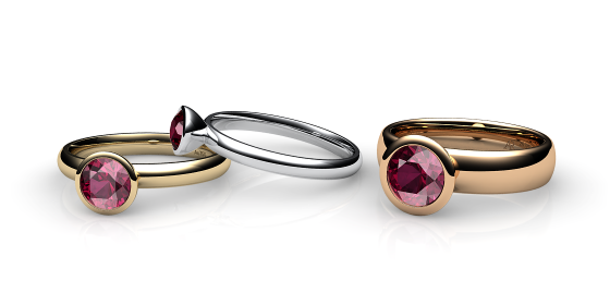 Melody. Bezel set rhodolite garnet ring