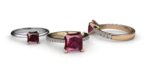Betelgeuse. Princess cut rhodolite garnet solitaire ring