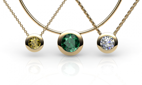 Melody. Bezel set yellow gold pendant