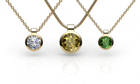 Venice. Bezel-set yellow gold pendant