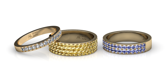 Ariadne. Pave-set yellow gold wedding ring