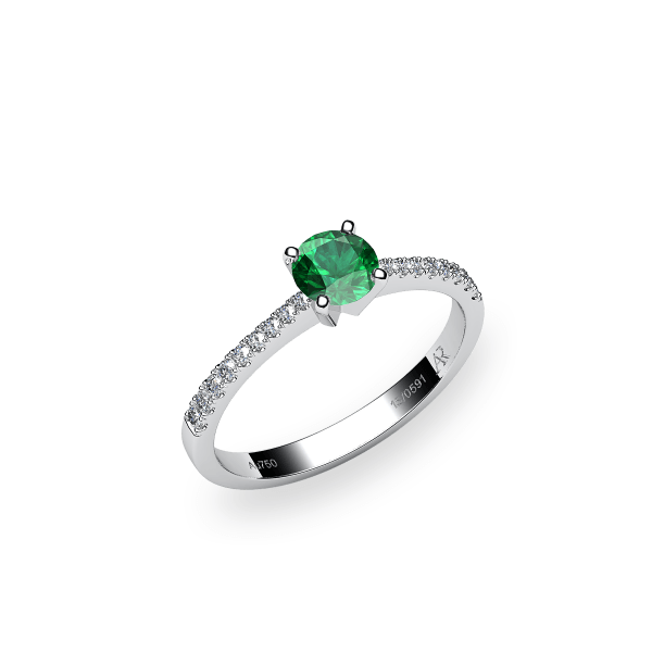 Betelgeuse. Prong-set emerald solitaire ring