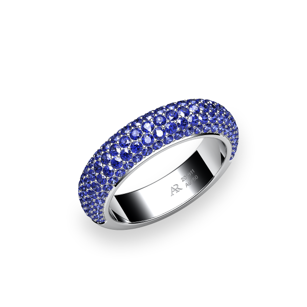 Silky. Blue sapphire pave-set ring