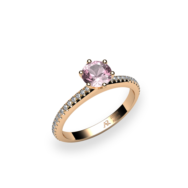 Stella. 6 prongs solitaire morganite ring