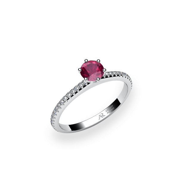 Stella. 6 prongs solitaire ruby ring